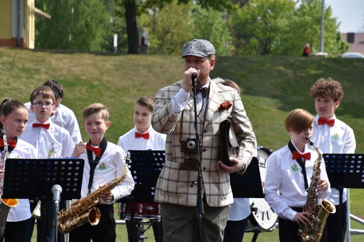 Pirmą kartą Rygiškių Jono gimnazijos stadione - nuotaikinga Šeimų šventė!