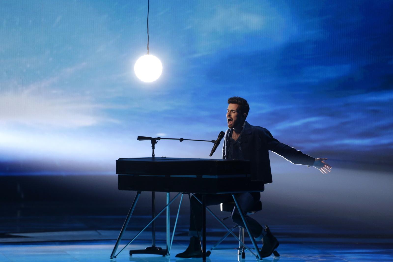 """""""Eurovizijos"""" dainų konkursą laimėjo Nyderlandai"""