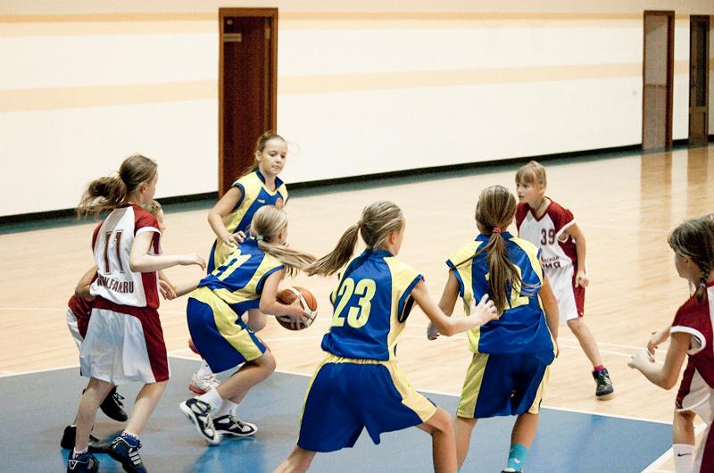 Krepšinio visuomenės diskusija: ar mergaitės gali žaisti kartu su berniukais?