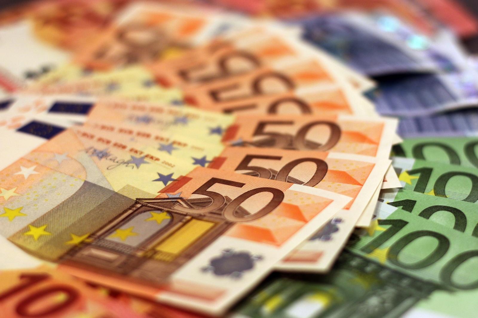 Valstybės ir savivaldybių biudžetai gavo beveik ketvirtadaliu daugiau pajamų nei pernai