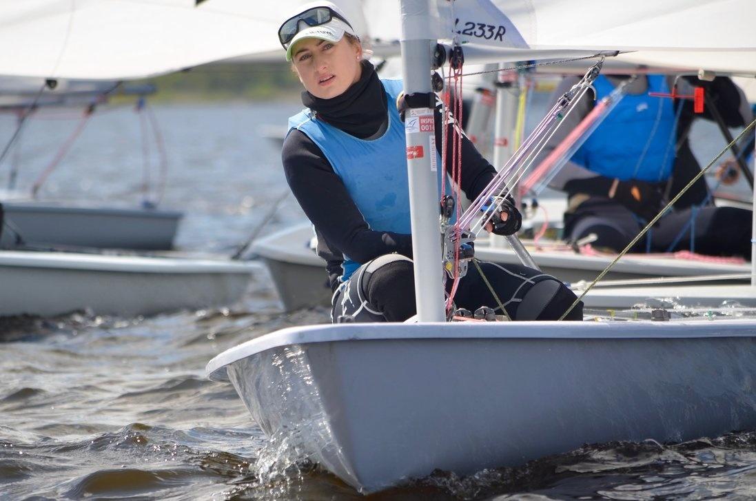 Sudėtingą plaukimą laimėjusi buriuotoja V. Andrulytė - pasaulio taurės finalo lyderė