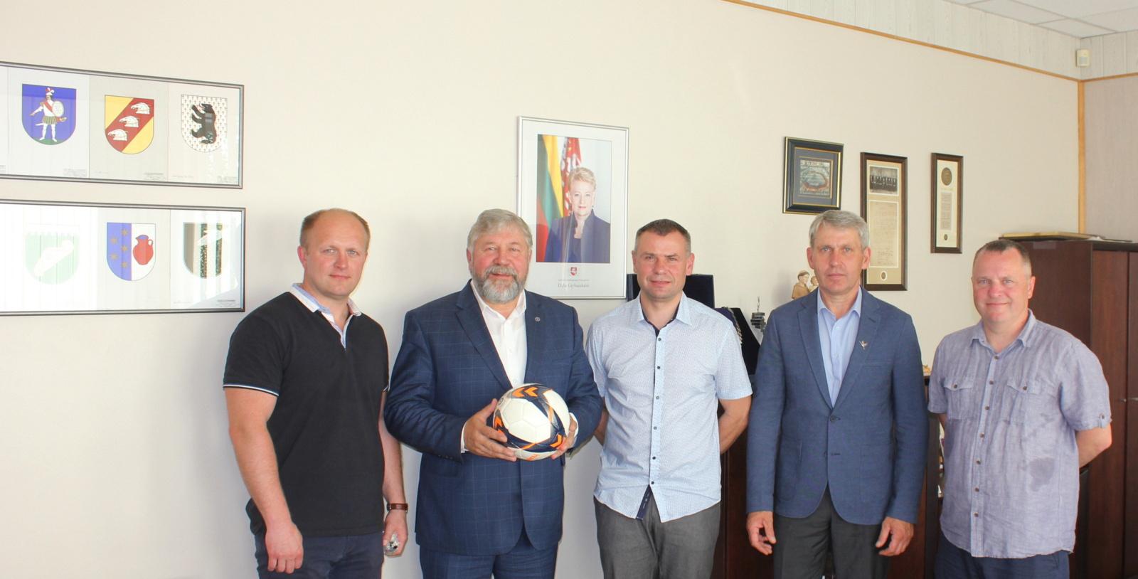 """Susitikime su Šiaulių apskrities futbolo federacija – apie FK """"Venta"""" 100-metį ir rajono futbolo atgimimą"""