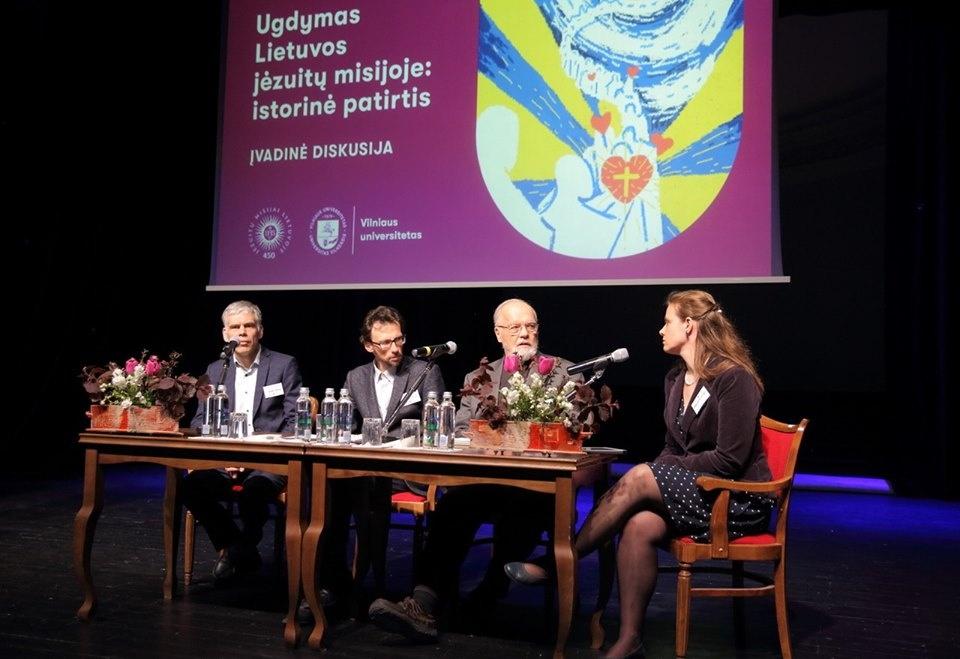 Jėzuitų veiklos Lietuvoje amerikietiškieji kalneliai