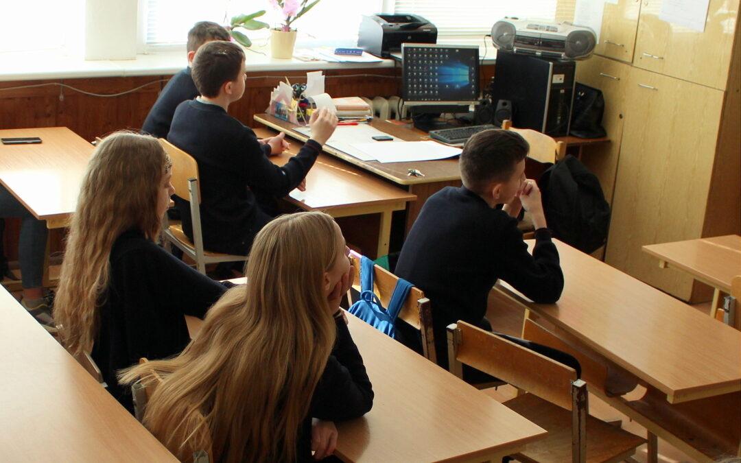 Paradoksai: mokslo metus ilgina, pamokas – trumpina