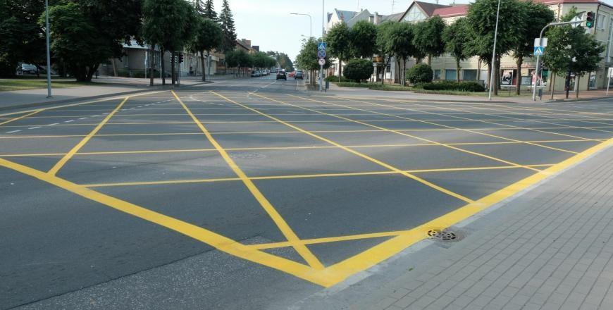 Sankryžoje Alytaus miesto centre – žymėjimas geltonais kvadratais