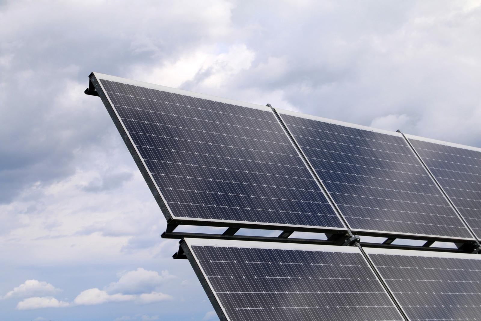 Sulaukta beveik 3 tūkst. paraiškų saulės elektrinių įrengimui finansuoti