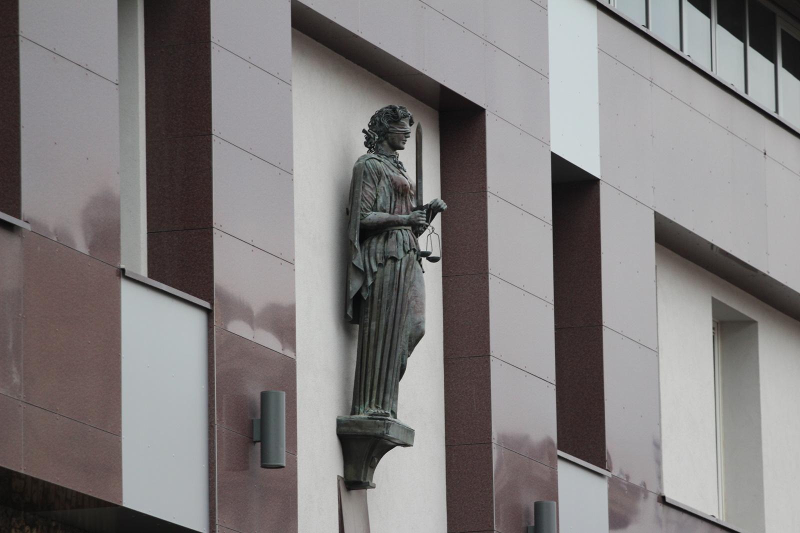 Teismas pradėjo nagrinėti R. M. Račkausko piktnaudžiavimo bylą (papildytas)