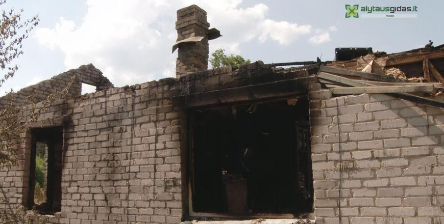 Padegėjas sieja baimę padaugėje: įtariamojo ieško ir vietos gyventojai (vaizdo įrašas)