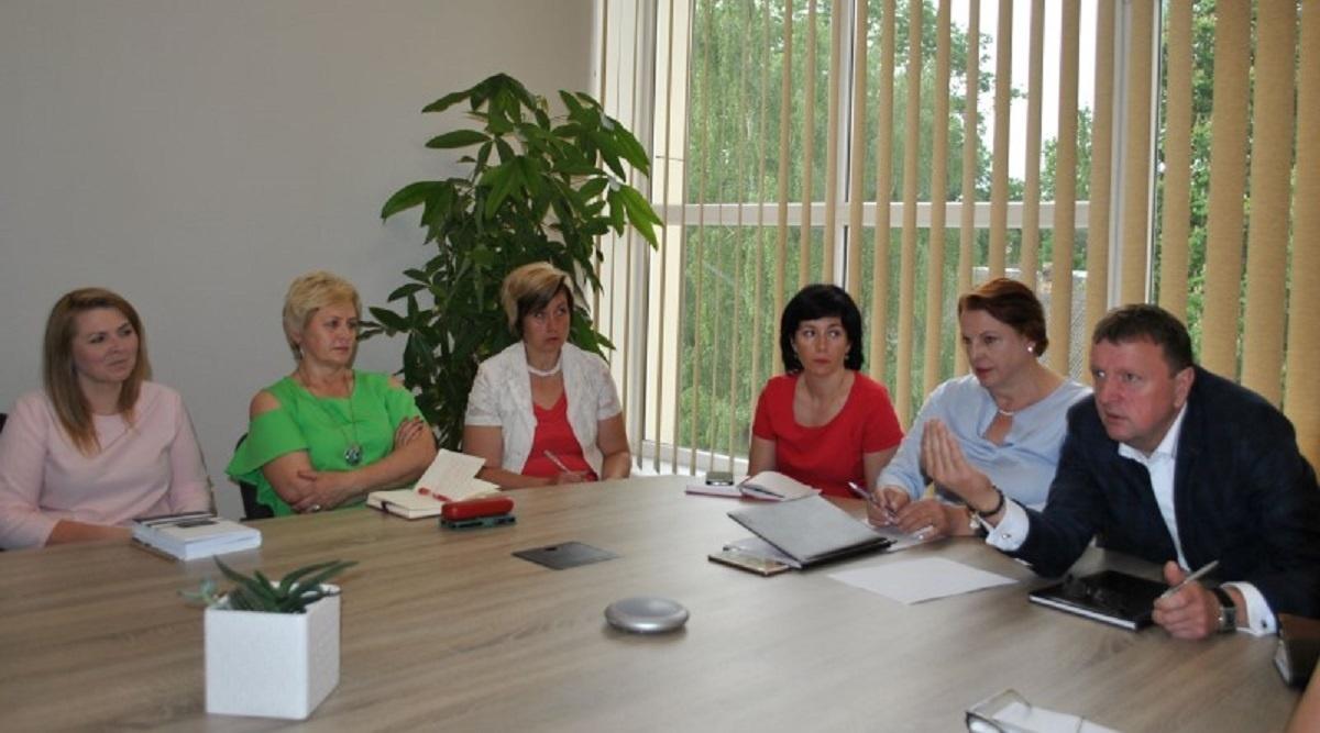 Su švietimo įstaigų vadovais aptarti aktualūs klausimai