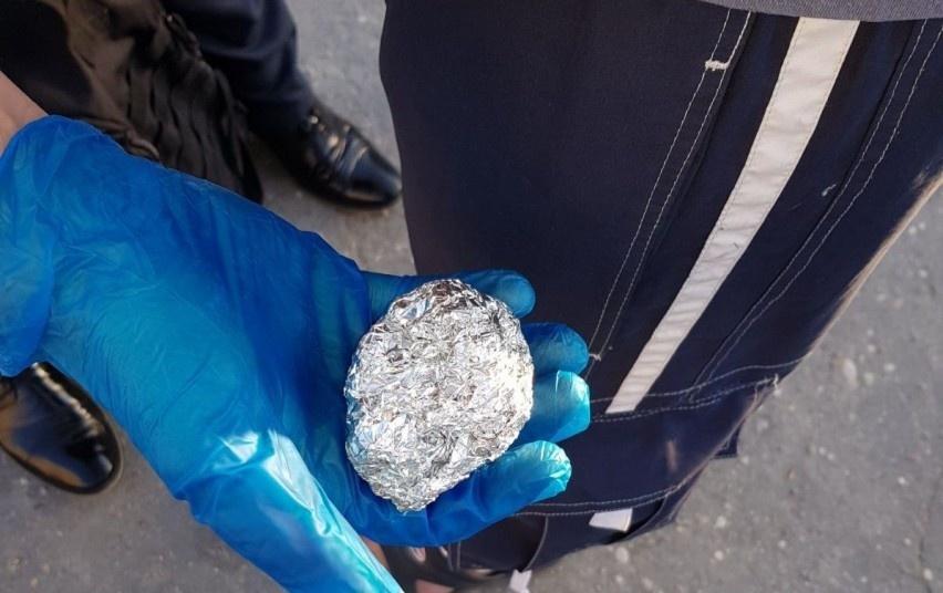 Prie tvenkinio Mažeikių rajone rasta narkotinių medžiagų