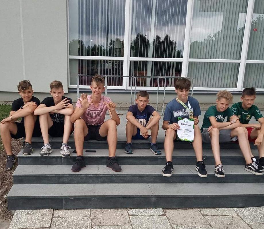 Berniukai - Lietuvos mokyklų žaidynių prizininkai