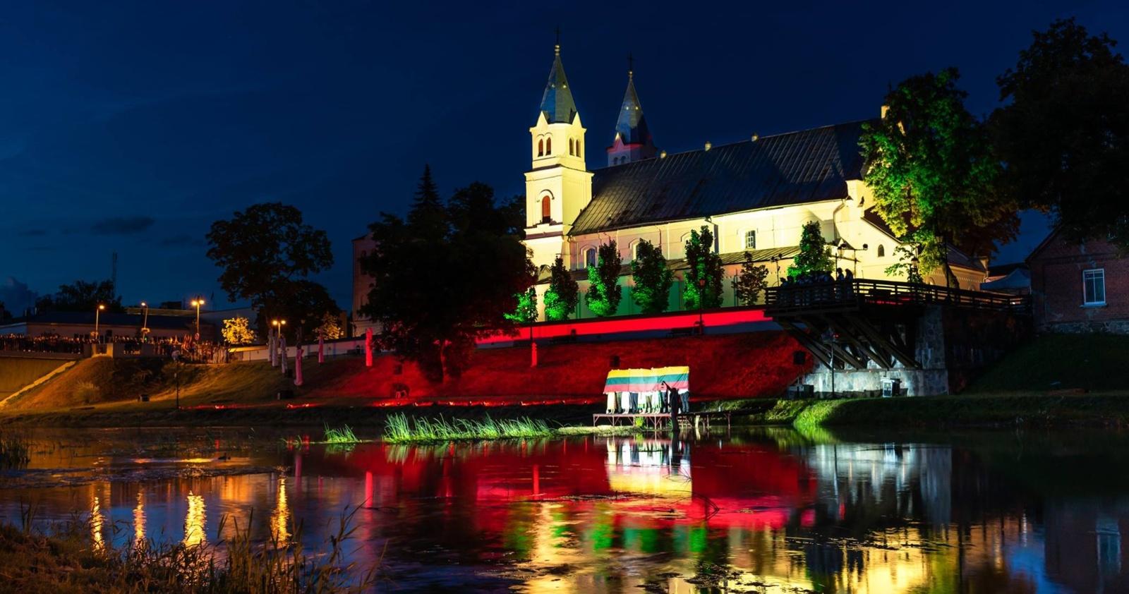 """""""Senojo tilto"""" festivalis: kitoks požiūris į klasiką, vandens žaidynės ir prisiminimai apie amžinybėn iškeliavusį Maestro"""