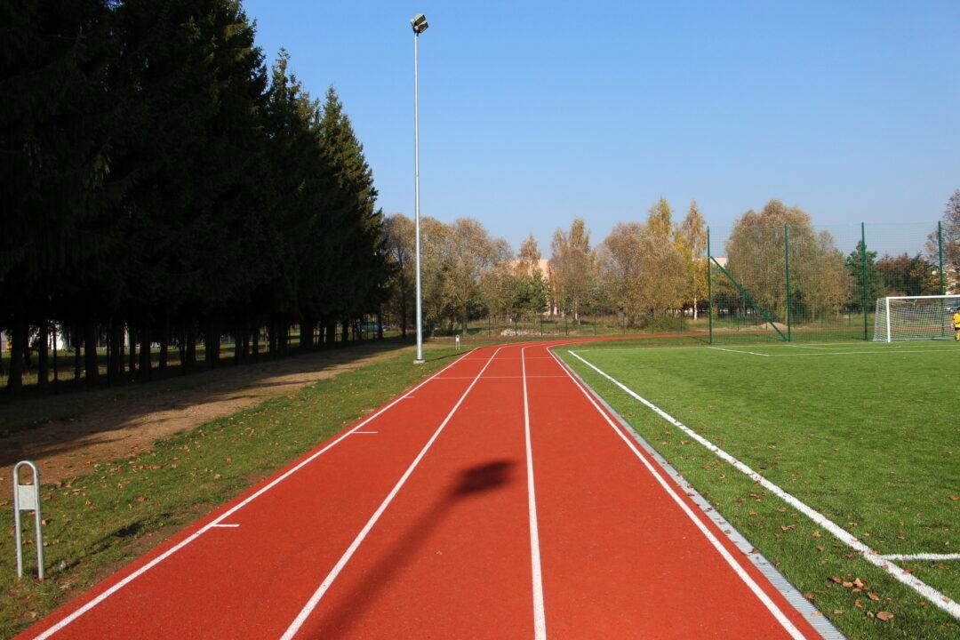 Stadionas – ne vieta dviračiams ir šunims