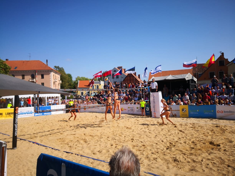 """Klaipėdoje – tinklinio turnyras """"Amber Cup – Kredito garantas"""""""