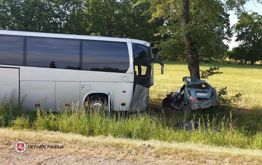 Paskutinis birželio savaitgalis nusinešė vairuotojo gyvybę, policijai įkliuvo šimtai neblaivių
