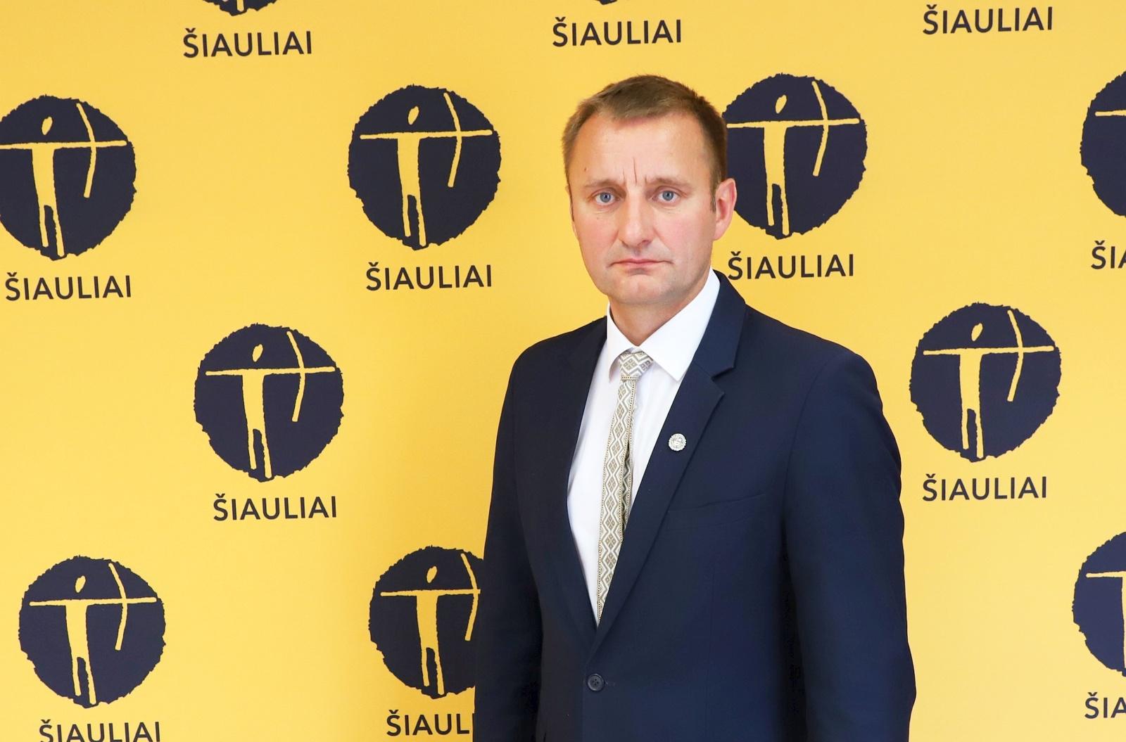 Šiaulių meras: savivaldybių vadovams – tik atidarymo juostelių karpymas?
