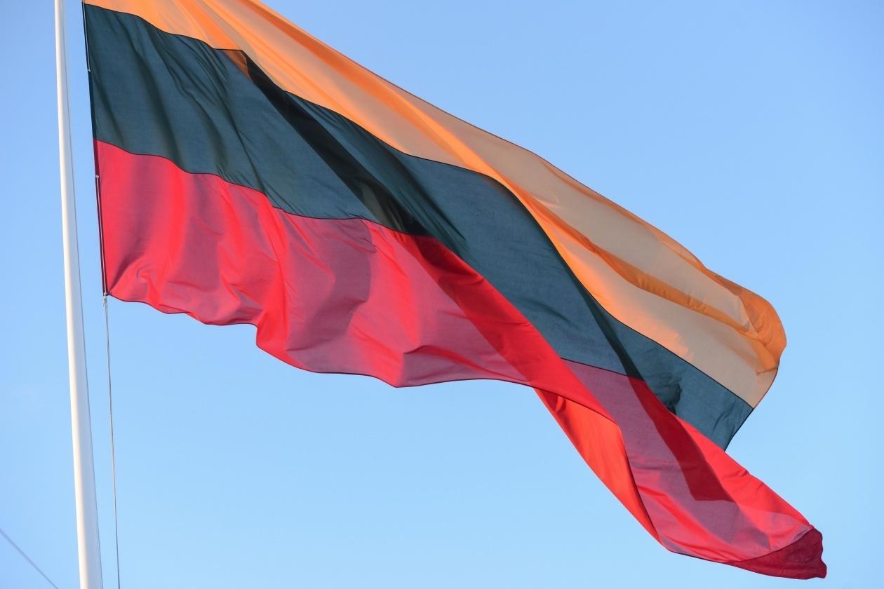 Gardino gatvėje pasigedo vėliavų: ar ne per anksti nuimtos?