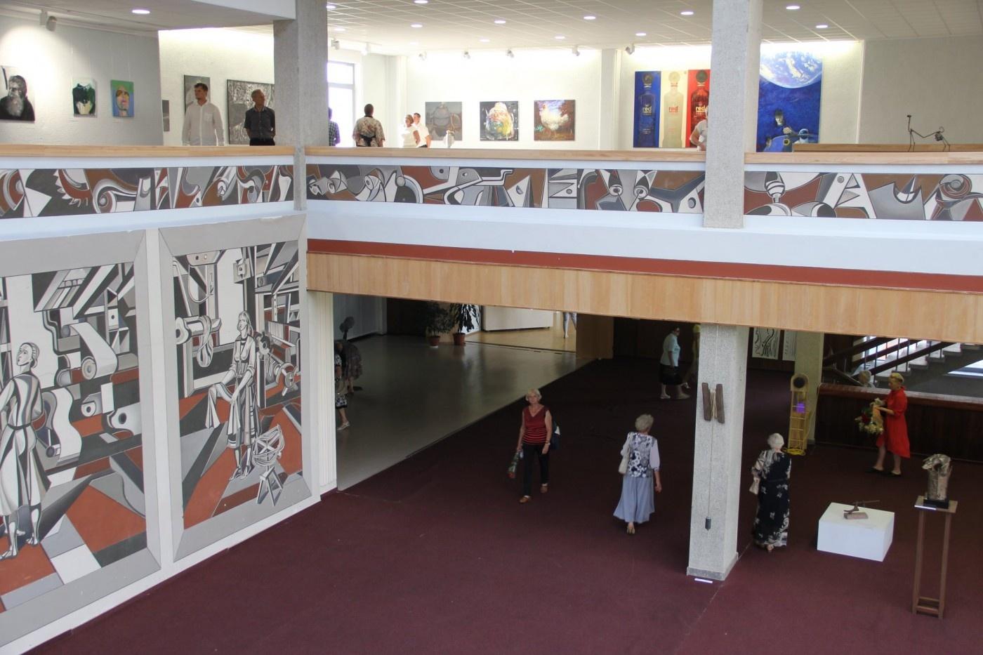 Alytaus vizualaus meno bienalėje – ir lazdijiečio skulptoriaus darbai