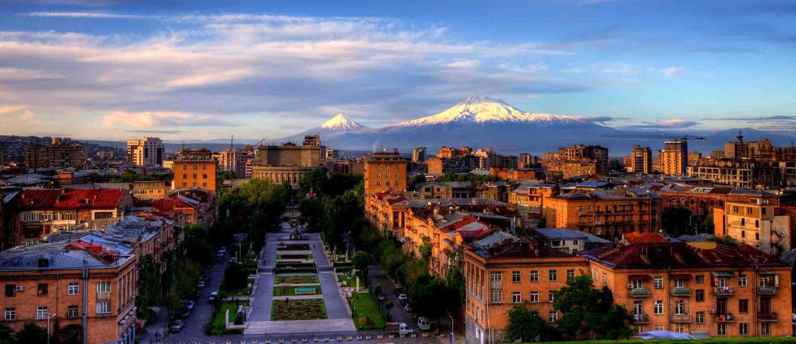 Zarasų viešojoje bibliotekoje – savanoris iš Armėnijos