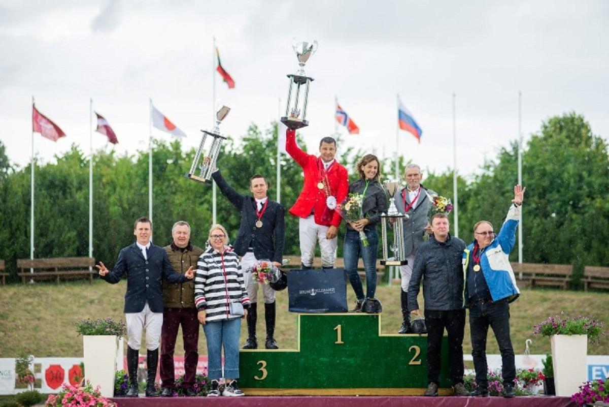 Meras apdovanojo atviro Lietuvos konkūro nugalėtojus
