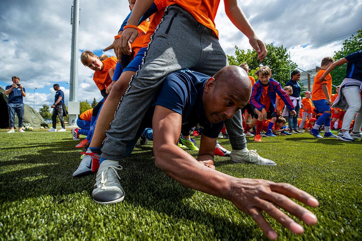 Nyderlandų ir Lietuvos žvaigždės lankėsi Širvintų stadione
