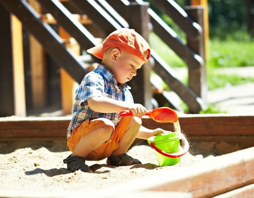 Dėl vaikų žaidimų aikštelių Visagine