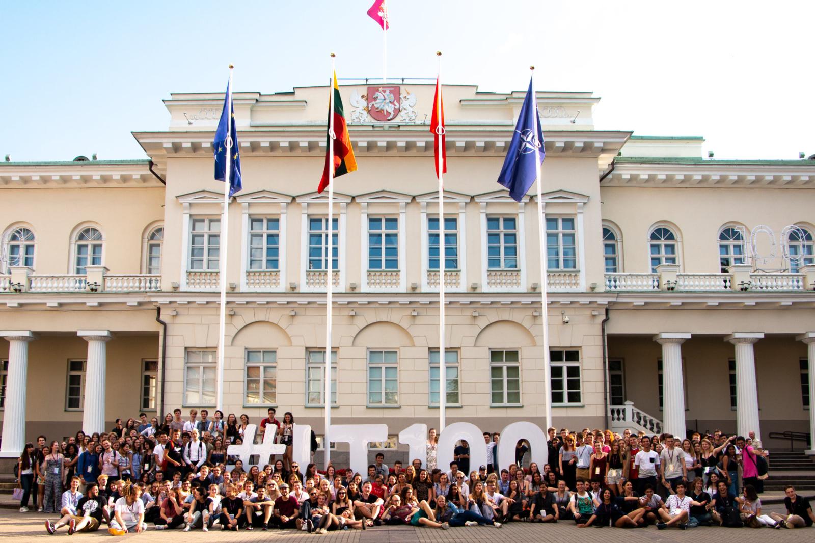 Europos jaunimo parlamentas Lietuvoje atvyksta į Anykščius