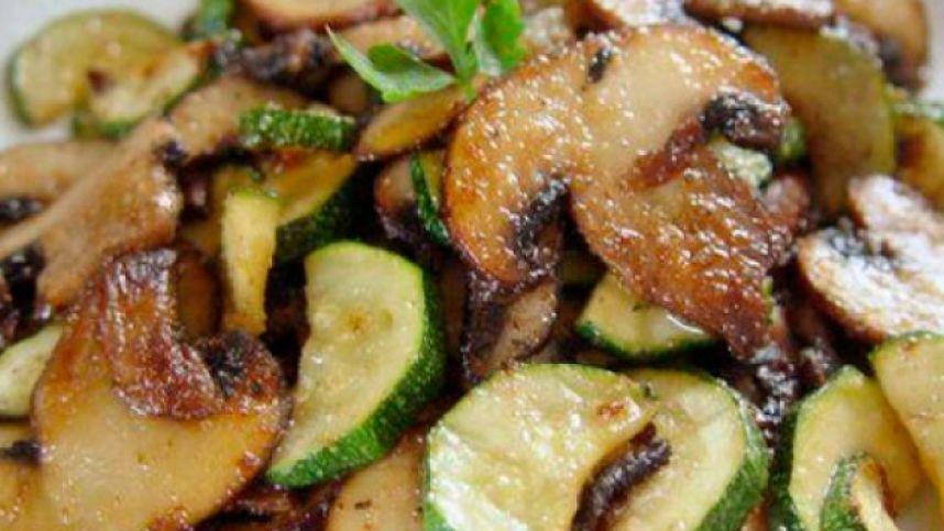 Greitas grybų ir cukinijų patiekalas pagal Balkanų receptą