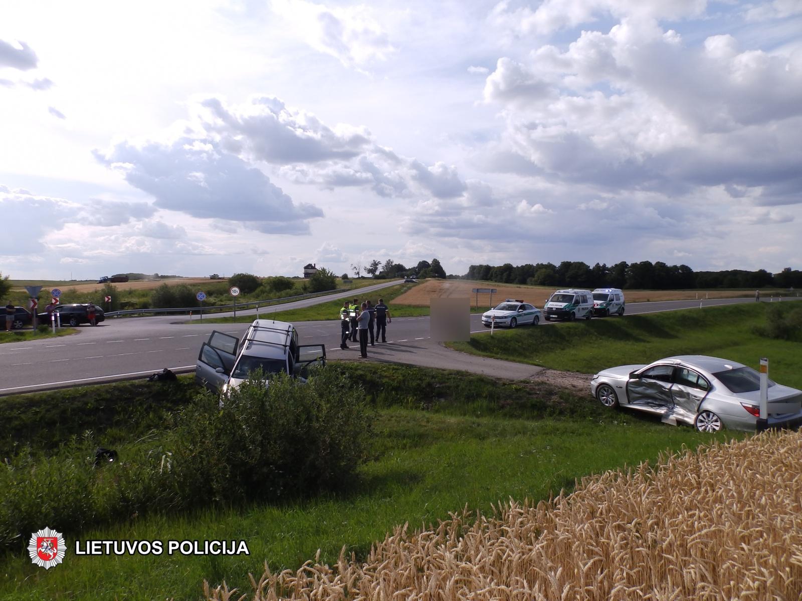 Prie sankryžos į Liudvinavą susidūrė automobiliai