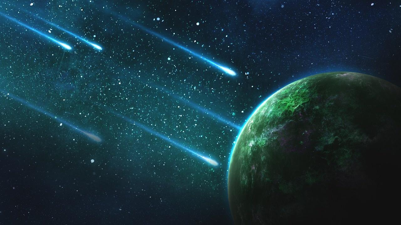 NASA perspėja: itin arti Žemės praskries trys asteroidai