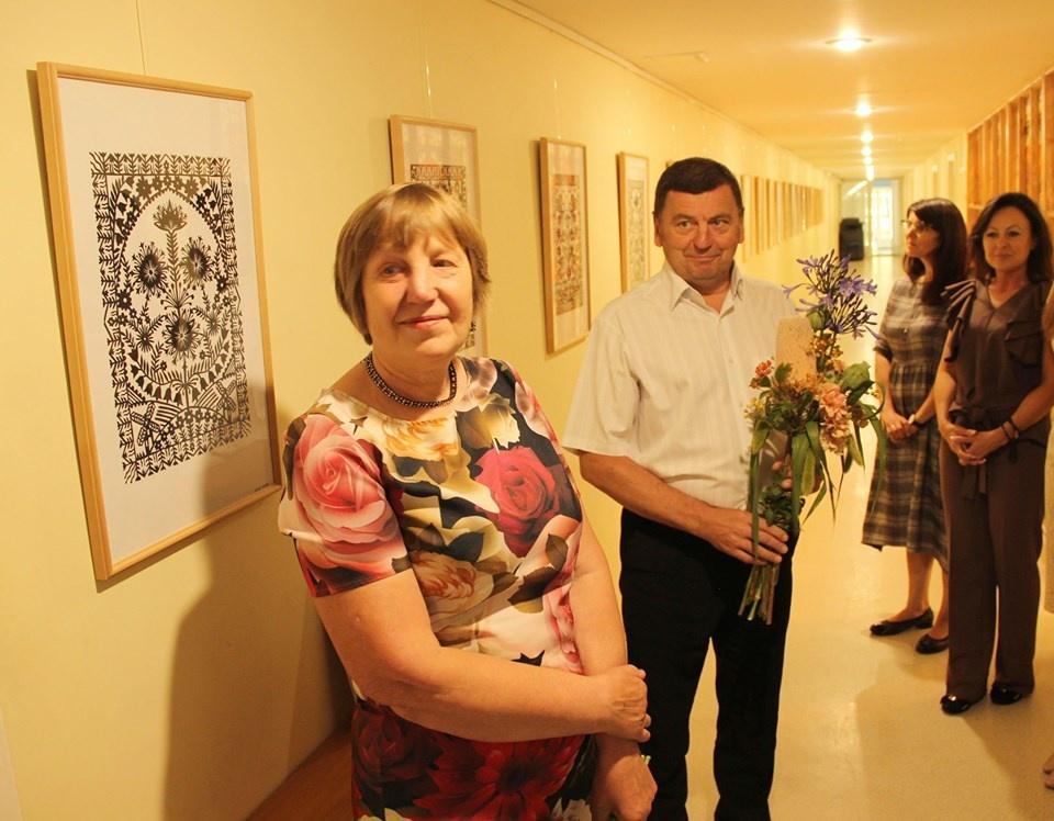 Didinga klasikinių Albinos Mackevičienės karpinių galerija džiugins Kėdainių rajono savivaldybės lankytojus ir darbuotojus
