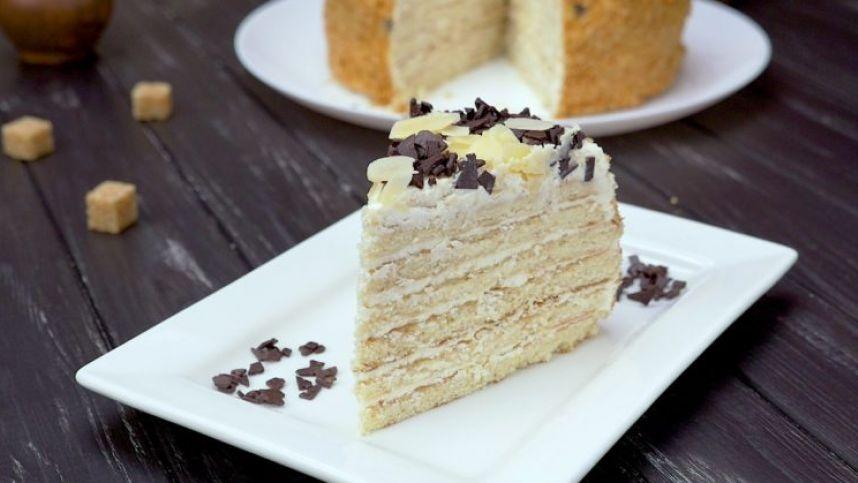 Keptuvėje keptas rikotos tortas
