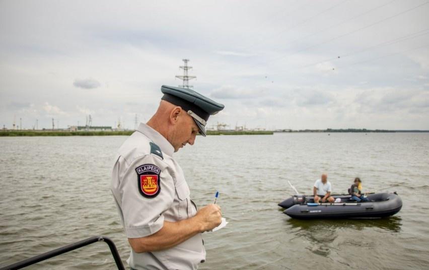 Uosto pareigūnai baudė girtus ir taisykles pažeidusius vairuotojus bei laivavedžius