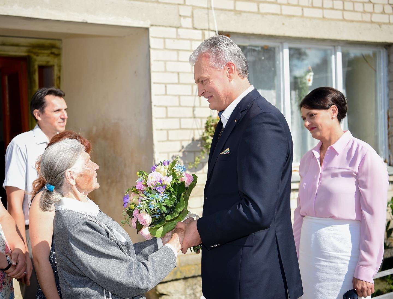 Prezidentas G. Nausėda susitiko su Kotryna iš Pabaisko, mininčia ypatingą progą