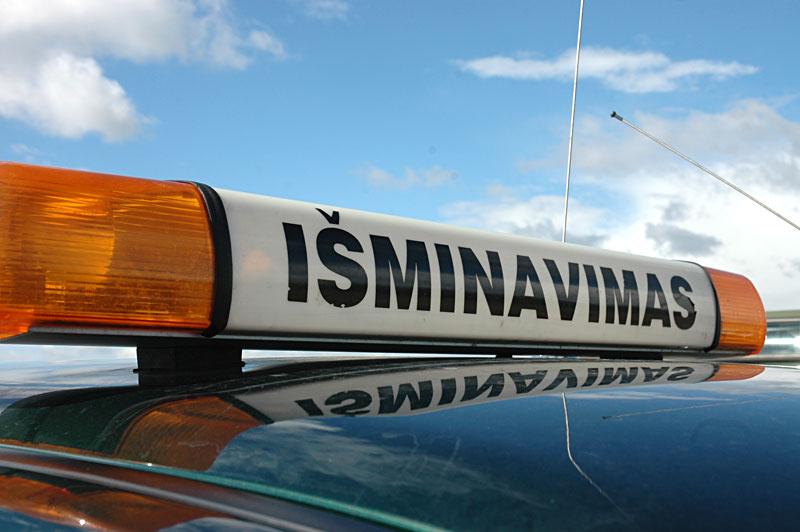 Molėtuose vyras į policijos komisariatą atnešė granatų ir šovinių