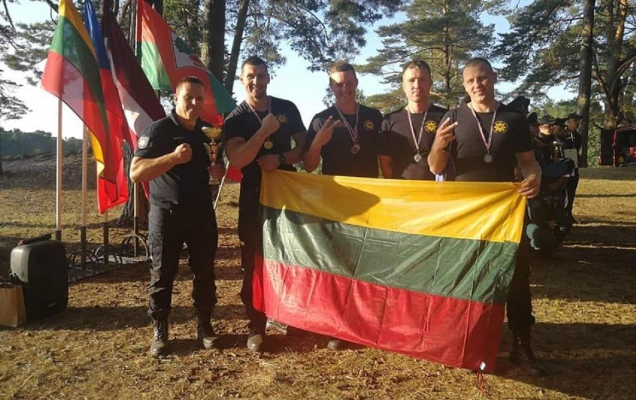 Klaipėdos priešgaisrinės gelbėjimo valdybos narai tarptautinėse varžybose užėmė antrąją vietą