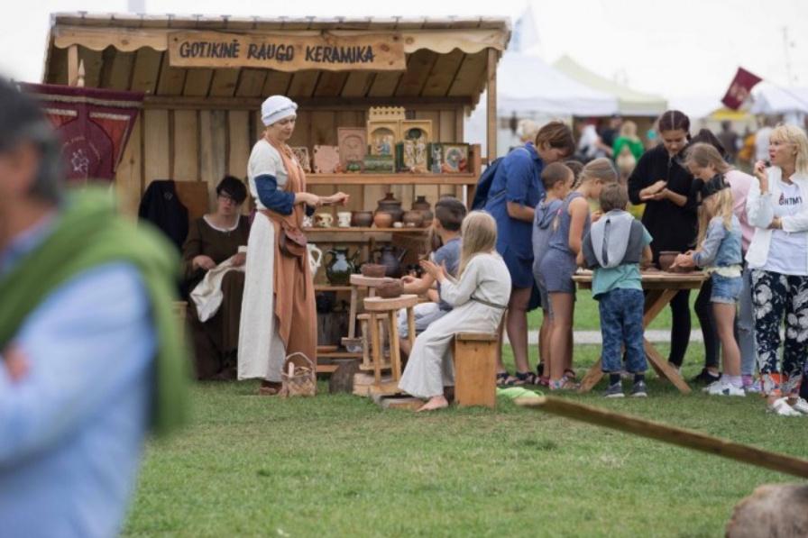 Žolinė Neringoje – su išskirtine senųjų amatų švente