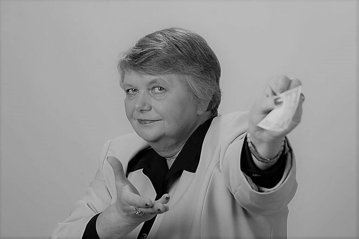 Mirė ilgametė LRT radijo žurnalistė R. Jakutytė