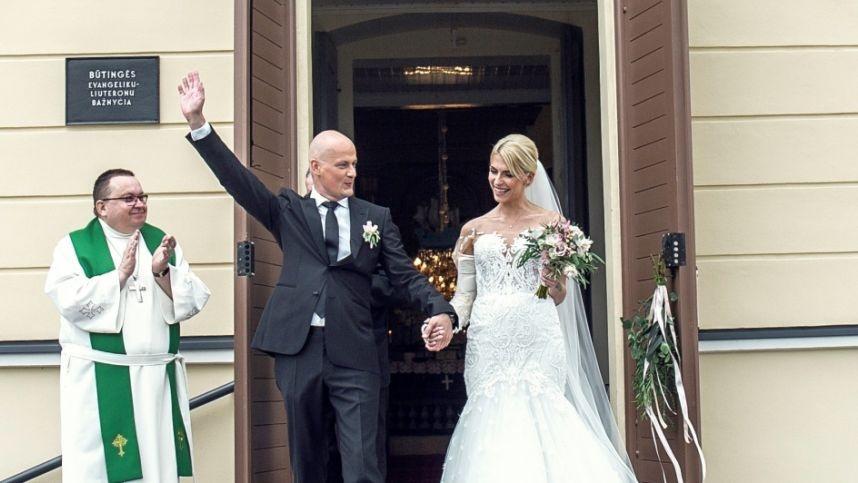 Uostamiestyje susituokė dainininkė I. Jotkėlaitė ir žinomas verslininkas J. Tubinas