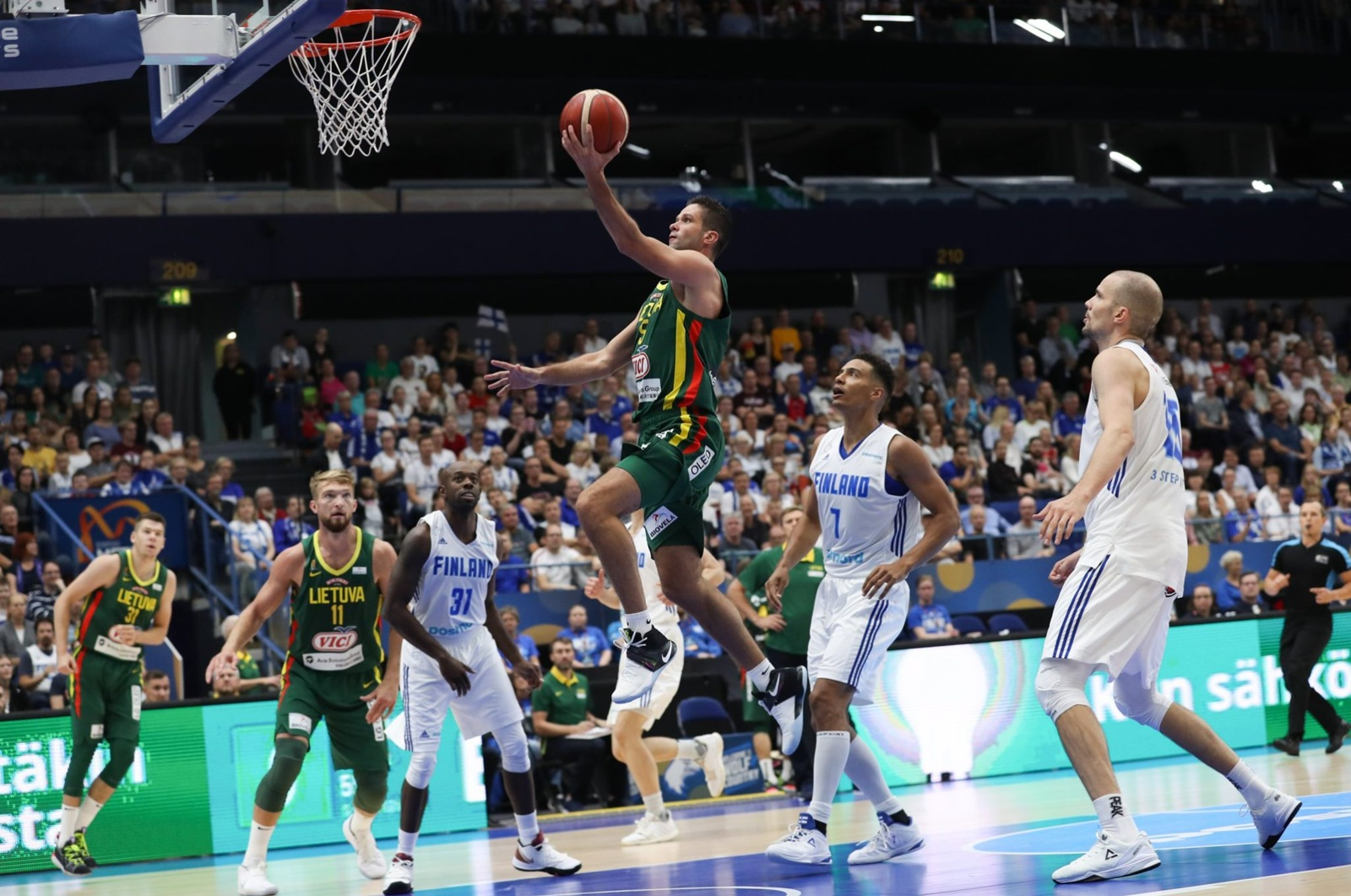 Lietuvos krepšinio rinktinė antrą kartą sutriuškino Suomiją