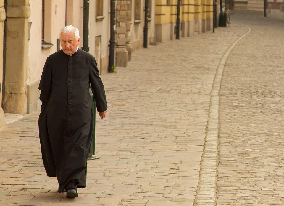 Norinčiųjų tapti kunigais mažėja