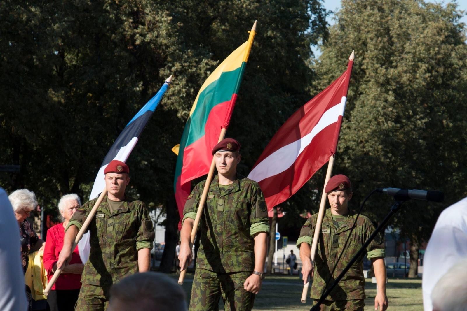 Šiauliai kviečia susitikti Baltijos kelio 30-mečiui ir Laisvės dienai skirtuose renginiuose