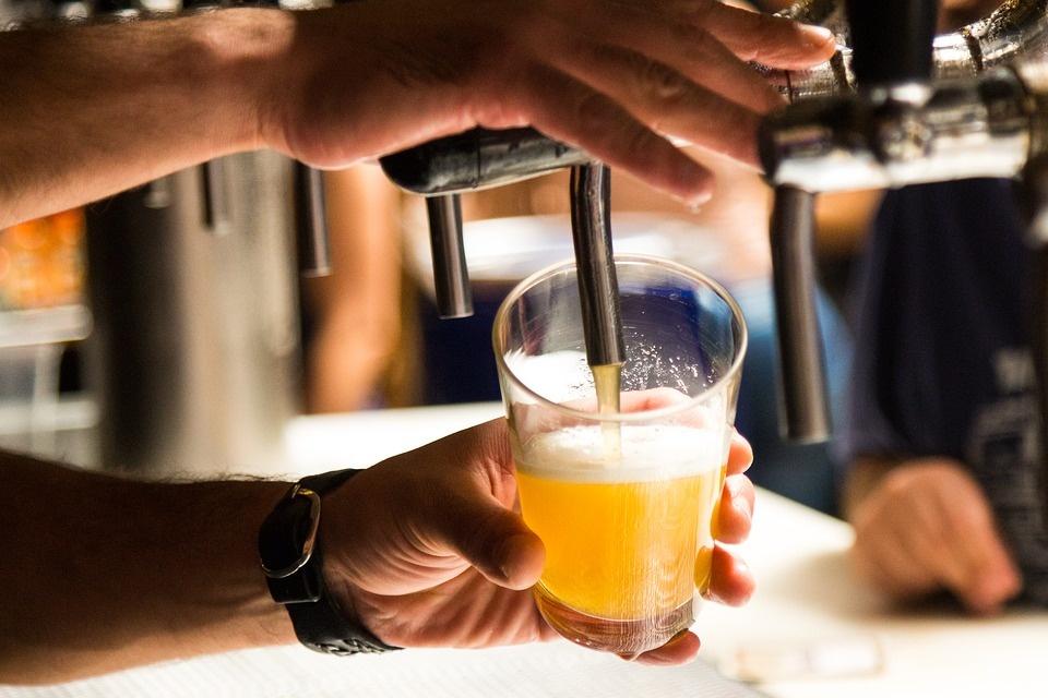 S. Skvernelis apie draudimą prekiauti alkoholiu lauko kavinėse: logiška būtų jį persvarstyti