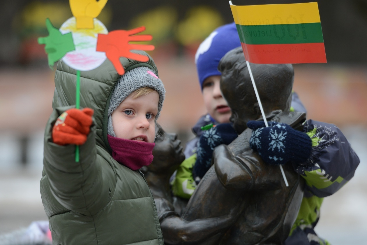 """Jungtinėje Karalystėje užaugęs lietuvis: """"Lietuvių kalba padeda užmegzti ryšius ir užsienyje"""""""