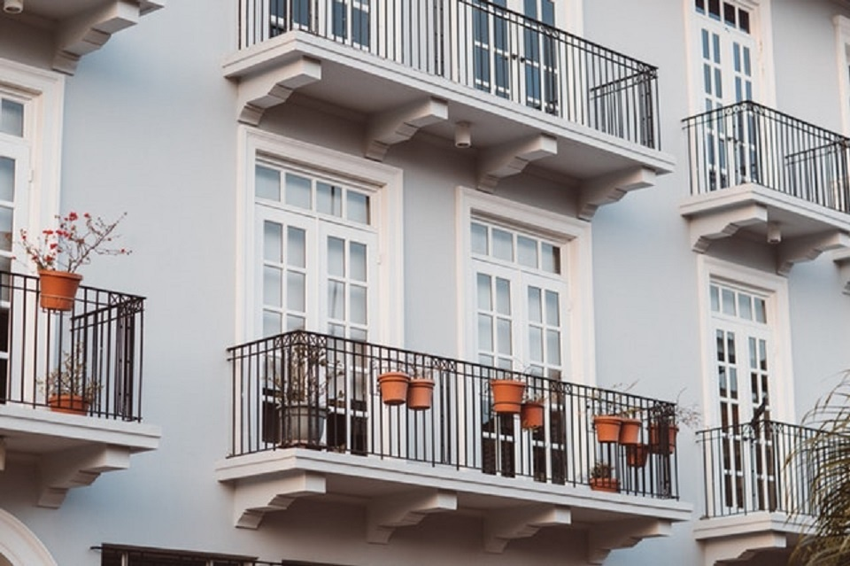 Seksas balkone baigėsi kova už gyvybę
