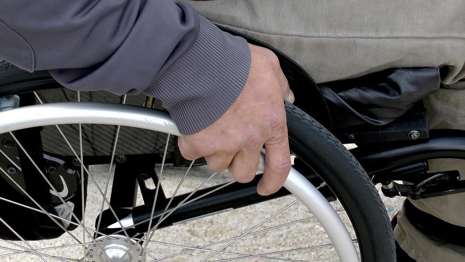 Darbuotojų apklausa: kas antras nesutiktų perimti neįgalumą turinčio kolegos darbų