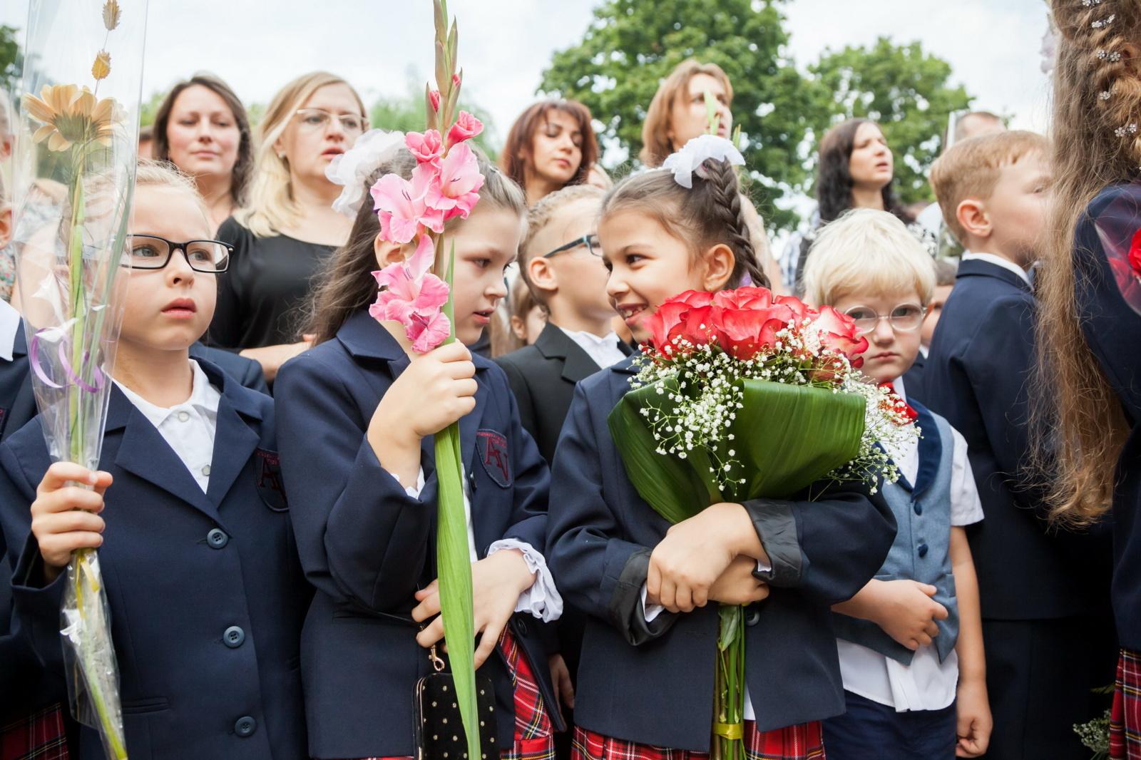 Rugsėjo pirmosios mokyklose – su saugiais atstumais ir be masinių švenčių