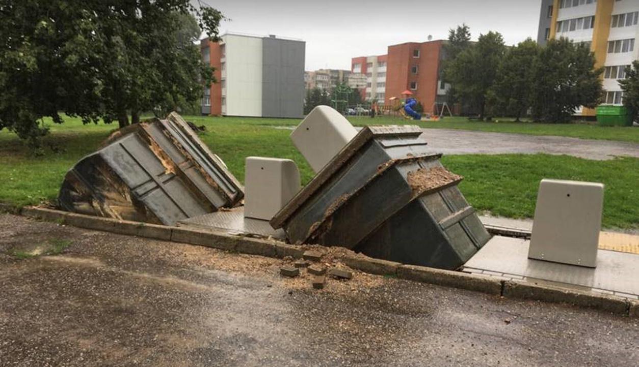 Imtasi skubių veiksmų dėl rugpjūčio 21-osios liūties padarinių Molėtų mieste
