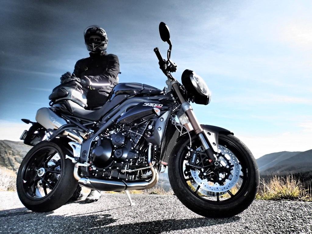 """Kokie """"šarvai"""" geriausiai apsaugo motociklininką kelyje?"""