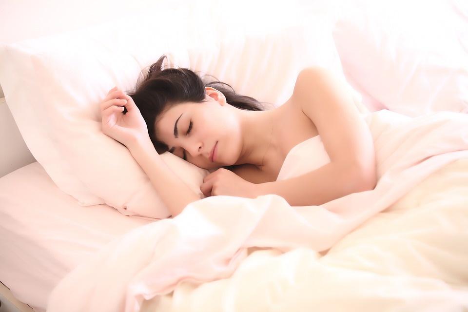 Pagausėjęs prakaitavimas naktį gali perspėti apie ligą